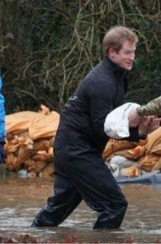 Princes William and Harry help with flood relief in Berkshire - Getty Images